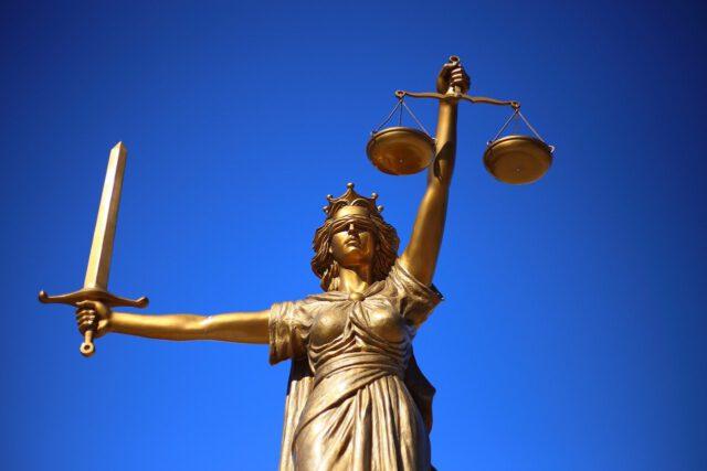 Zgodnie z prawem i etyką