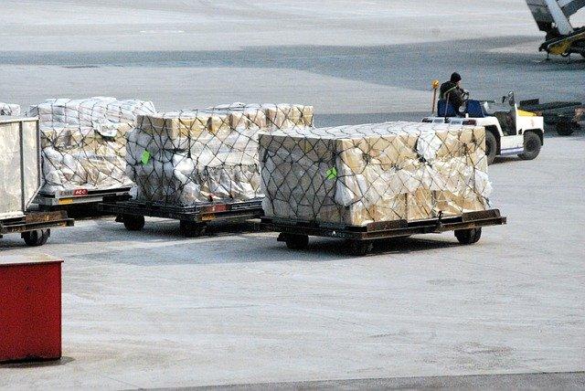 Jak przebiega import towarów z Chin krok po kroku?